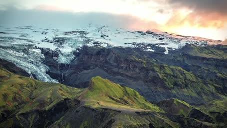 Icelandic Highlands in Aerial. Конвертирован в HLS